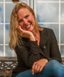 author photo_ liz shaw